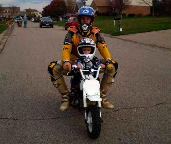 padres-motocilistas-1