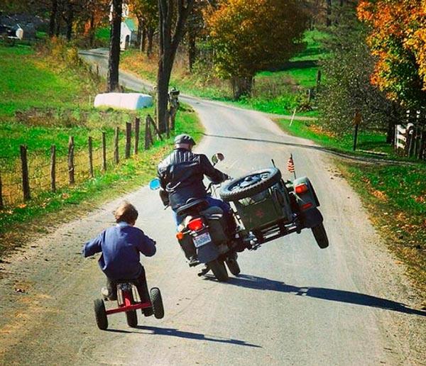 padres-motos-hijos