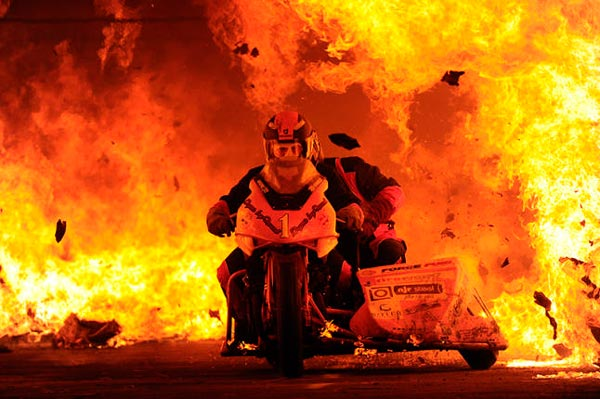 records-la-moto-en-el-fuego