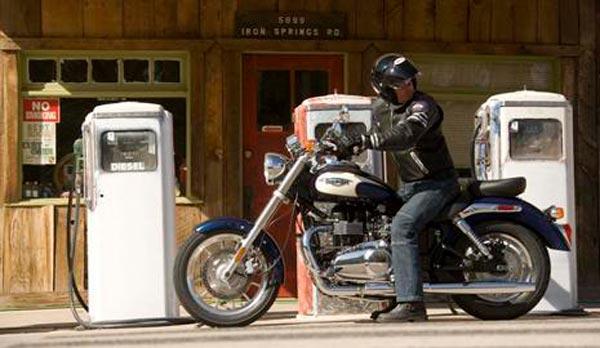 ahorra-combustible-en-tu-moto