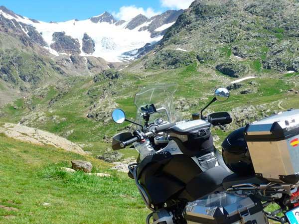 diez-mejores-rutas-moto-alpes