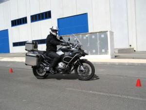 La postura correcta al conducir tu motocicleta La postura correcta al conducir tu motocicleta La postura correcta al conducir tu motocicleta Postura conduccion estandar