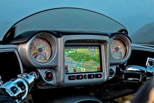 Ride Command de Indian con gran pantalla táctil