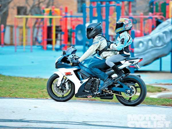 Llevar niños en moto llevar niños en moto Cuándo está bien llevar niños en moto llevar ninos en moto 7