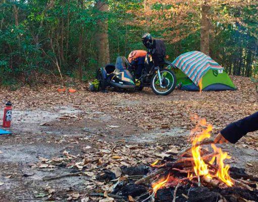 Ventajas y desventajas para acampar en motocicleta