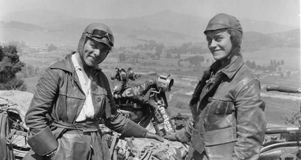 ¿De dónde viene esto de que las motos no son para mujeres?