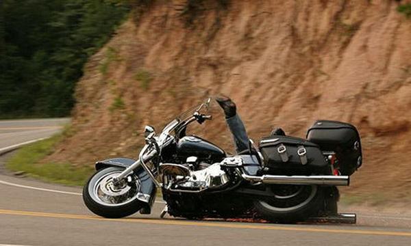 Qué NO hacer en la primera vez conduciendo una moto