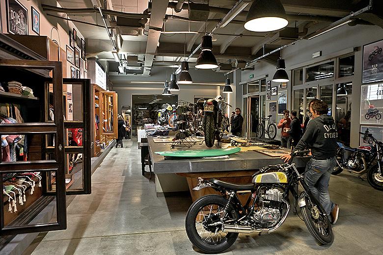 Deus ex machina cafe Deus ex machina cafe hecho para los amantes de las motos Deus ex machina cafe 2