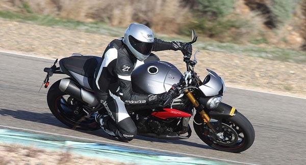 Errores de los motociclistas Errores de los motociclistas Conoce los errores de los motociclistas que son más comunes errores de los motociclistas2 1