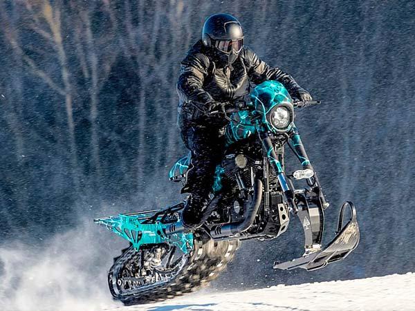 Harley–Davidson Roadster Snow Drag