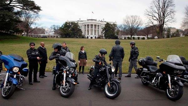 Trump se reúne con Harley Davidson