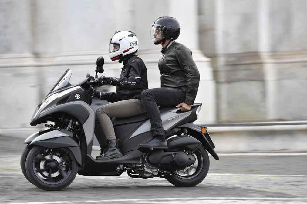 yamaha tricity 125 por qu una moto de dos ruedas si puede tener tres. Black Bedroom Furniture Sets. Home Design Ideas
