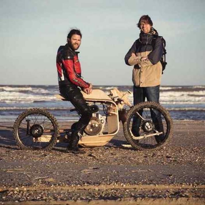 Moto de madera