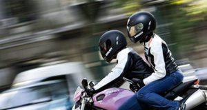 Cómo conocer una chica motociclista