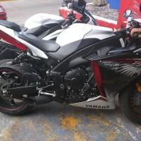 Yamaha R1 1000 2014.